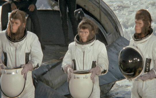 Crítica | Fuga do Planeta dos Macacos (1971)