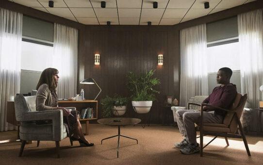 Review | Homecoming – 1ª Temporada