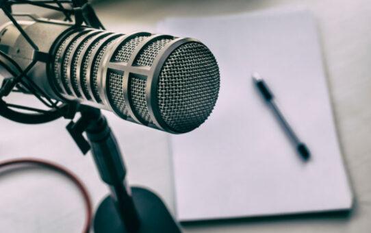 Lista | Podcasts de jornalismo para incluir na rotina